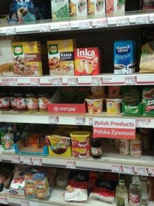 sección de productos polacos en el supermercado de Ballyhaunnis